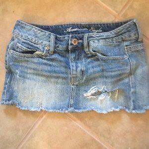 🆕AE Destroyed Denim Mini Skirt